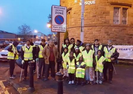 Muslim youths helped to clean the streets in Glasgow